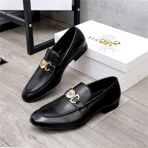 Versace Leather Shoes For Men #821048