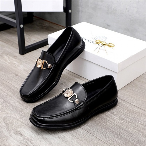 Versace Casual Shoes For Men #821053