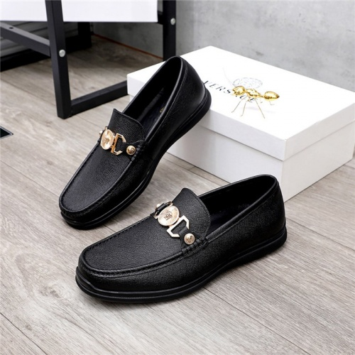 Versace Casual Shoes For Men #821054