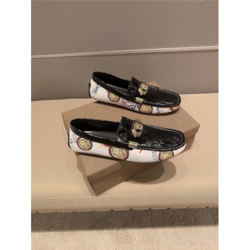 Versace Casual Shoes For Men #821058