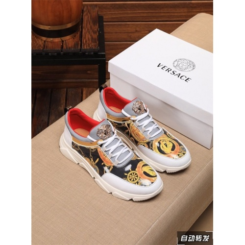 Versace Casual Shoes For Men #821061