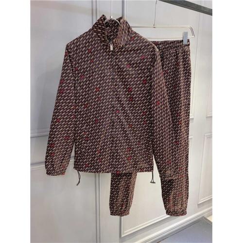 Fendi Tracksuits Long Sleeved Zipper For Men #821192