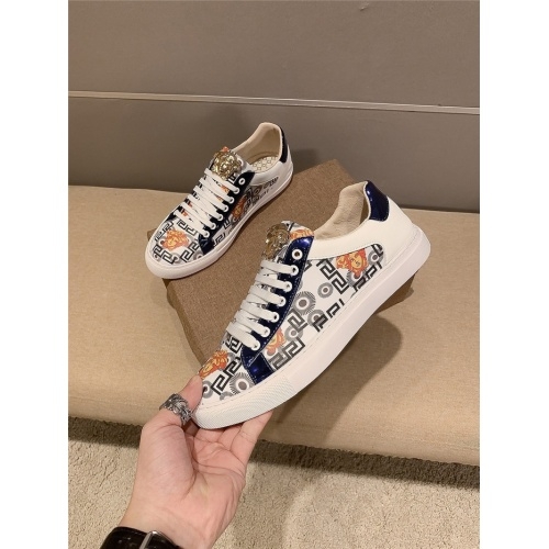 Versace Casual Shoes For Men #821711