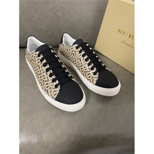 Burberry Casual Shoes For Men #821725