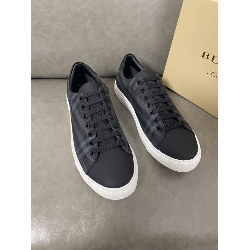 Burberry Casual Shoes For Men #821729