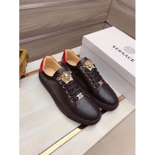 Versace Casual Shoes For Men #822073
