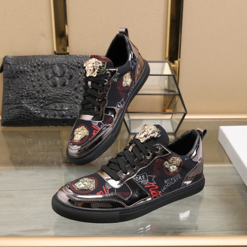 Versace Casual Shoes For Men #822174