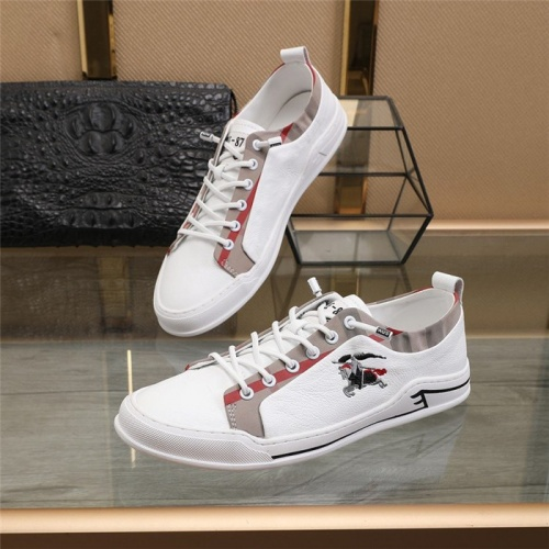 Burberry Casual Shoes For Men #822532