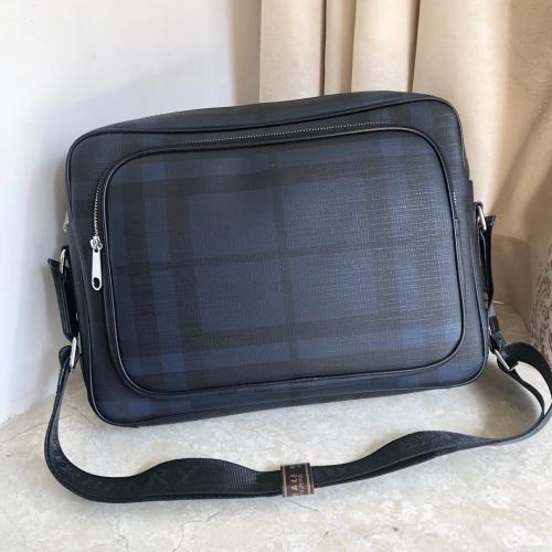 Burberry AAA Man Messenger Bags #823080