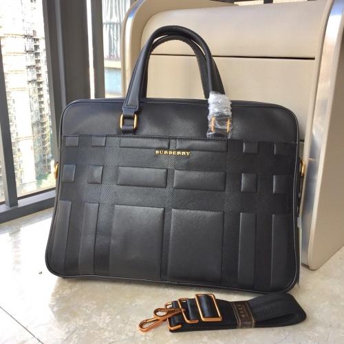 Burberry AAA Man Handbags #823106