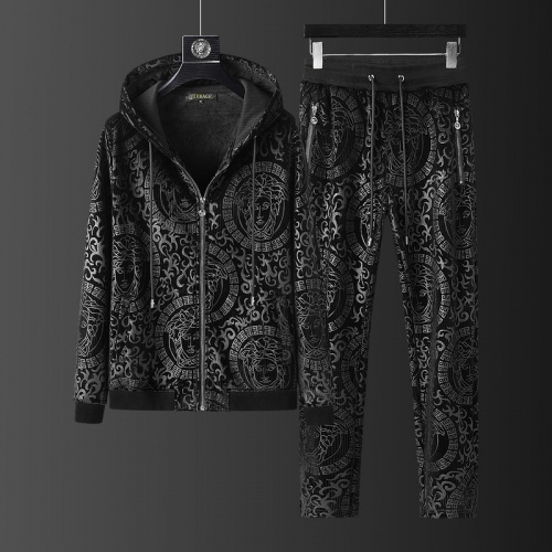 Versace Tracksuits Long Sleeved O-Neck For Men #823242