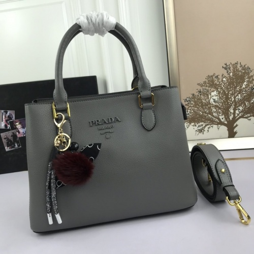 Prada AAA Quality Handbags For Women #823327
