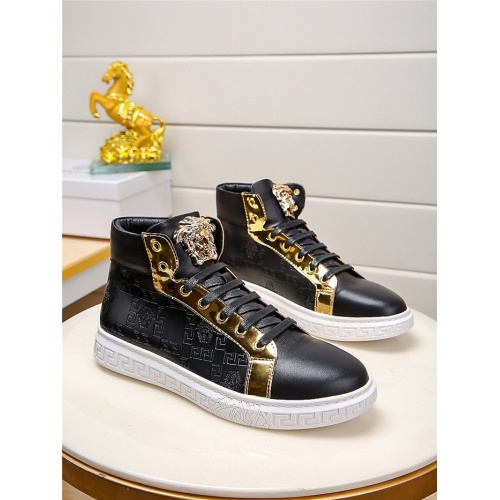 Versace High Tops Shoes For Men #823418
