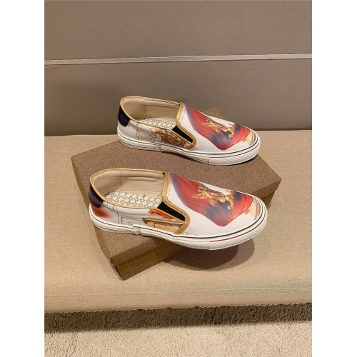Versace Casual Shoes For Men #823419