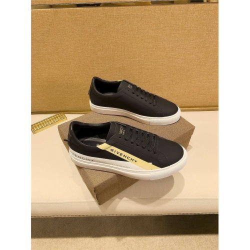 Givenchy Casual Shoes For Men #823438