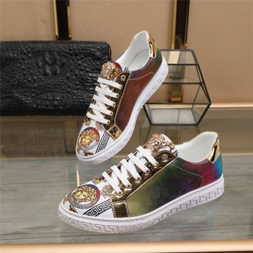 Versace Casual Shoes For Men #823580