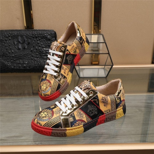 Versace Casual Shoes For Men #823583