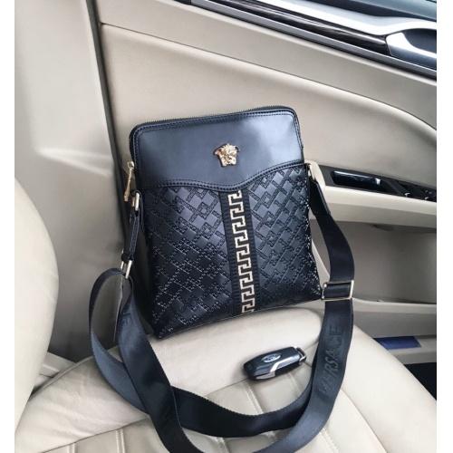 Versace AAA Man Messenger Bags #823724