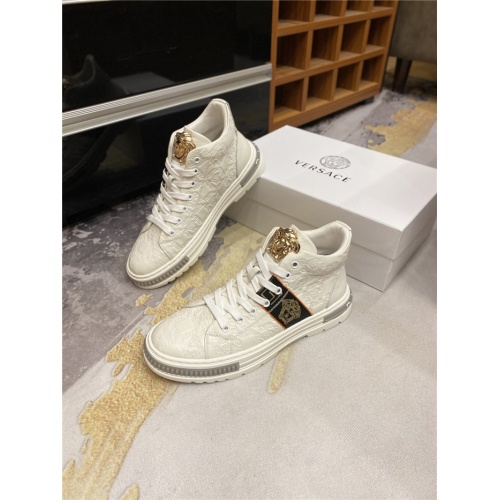 Versace High Tops Shoes For Men #823761