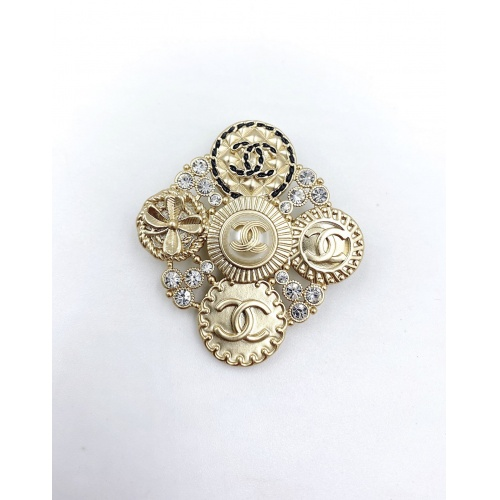 Chanel Brooches #823827