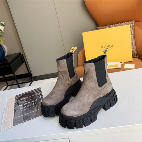 Fendi Boots For Women #823926
