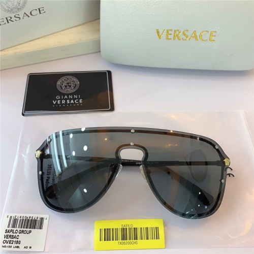 Versace AAA Quality Sunglasses #824180