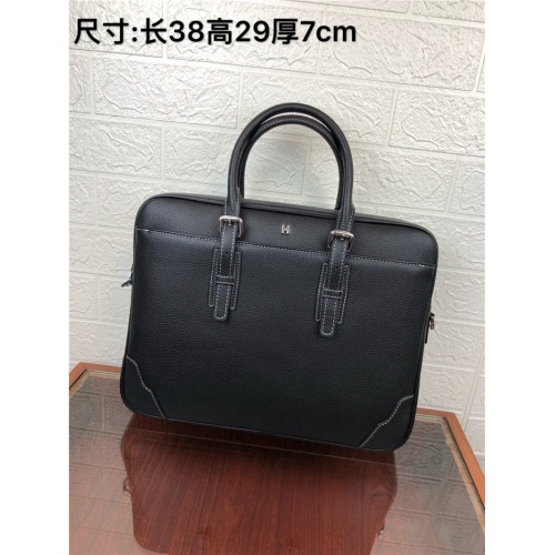 Hermes AAA Man Handbags #824409
