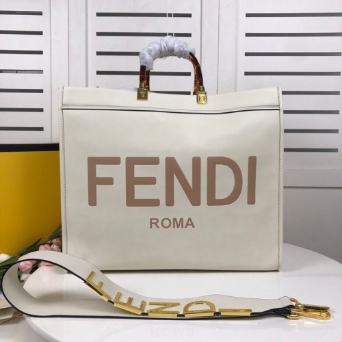 Fendi AAA Quality Tote-Handbags For Women #824451