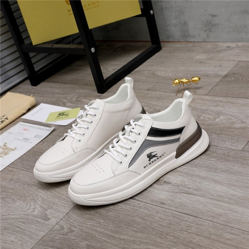 Burberry Casual Shoes For Men #824475
