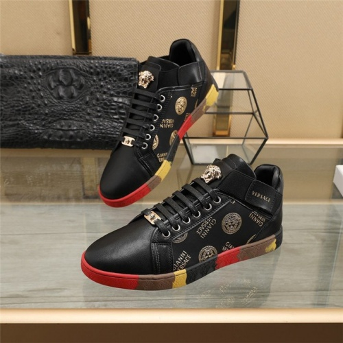 Versace Casual Shoes For Men #824541