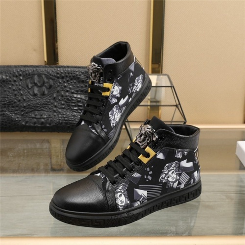 Versace High Tops Shoes For Men #824545