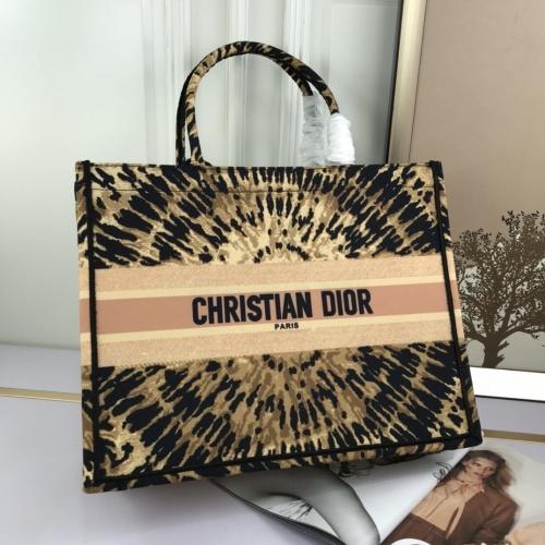 Christian Dior AAA Handbags For Women #824910