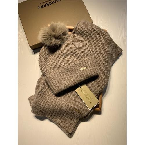Burberry Scarf & Hat Set #825063