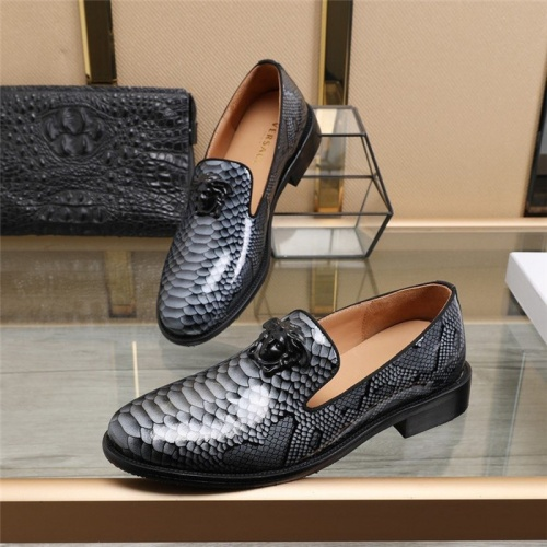 Versace Leather Shoes For Men #825276