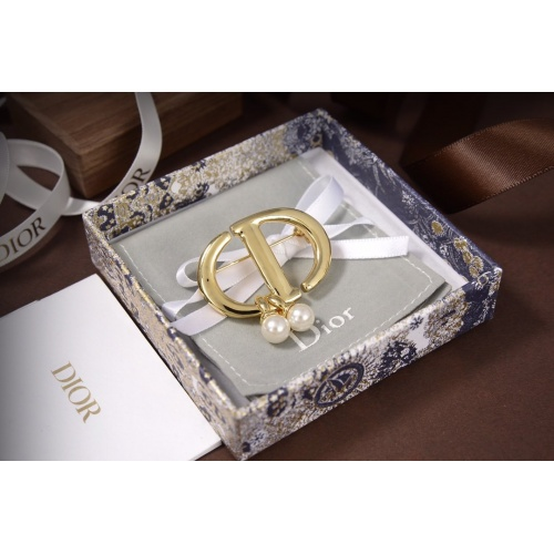 Christian Dior Brooches #825326