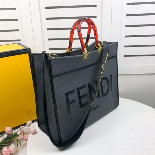 Fendi AAA Quality Tote-Handbags For Women #825467