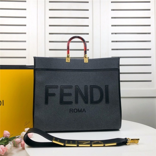 Fendi AAA Quality Tote-Handbags For Women #825472