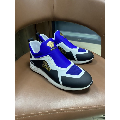 Versace Casual Shoes For Men #825584