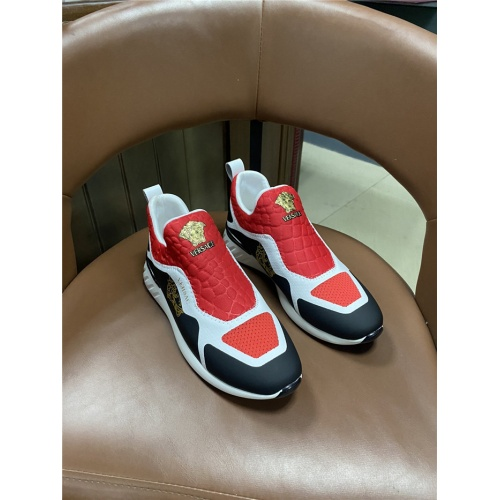 Versace Casual Shoes For Men #825585