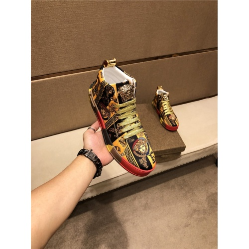 Versace High Tops Shoes For Men #825594