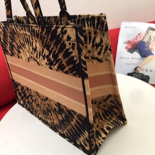 Replica Christian Dior AAA Handbags For Women #825799 $76.00 USD for Wholesale