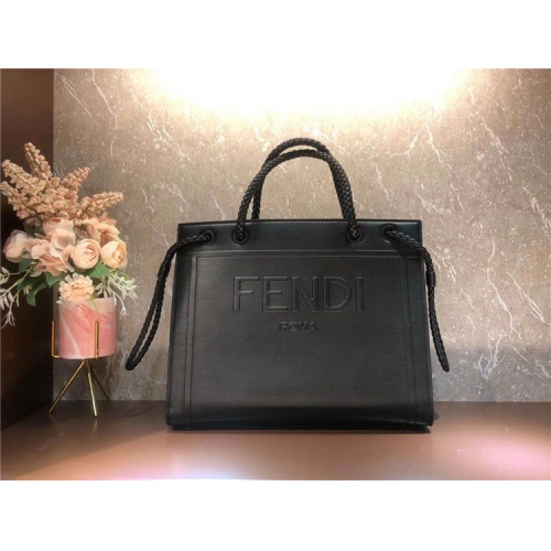 Fendi AAA Quality Tote-Handbags For Women #826166