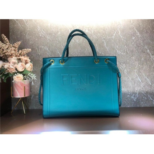 Fendi AAA Quality Tote-Handbags For Women #826169