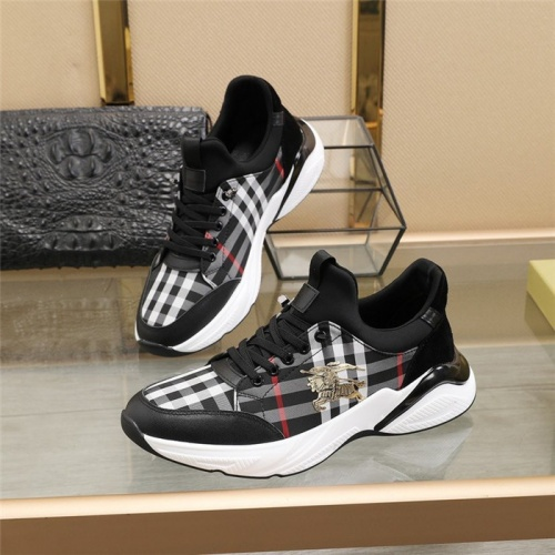 Burberry Casual Shoes For Men #826511