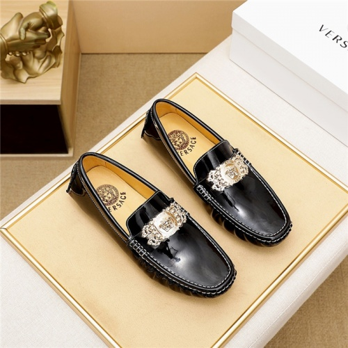 Versace Casual Shoes For Men #826686