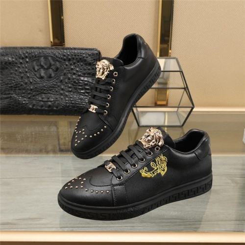 Versace Casual Shoes For Men #826692
