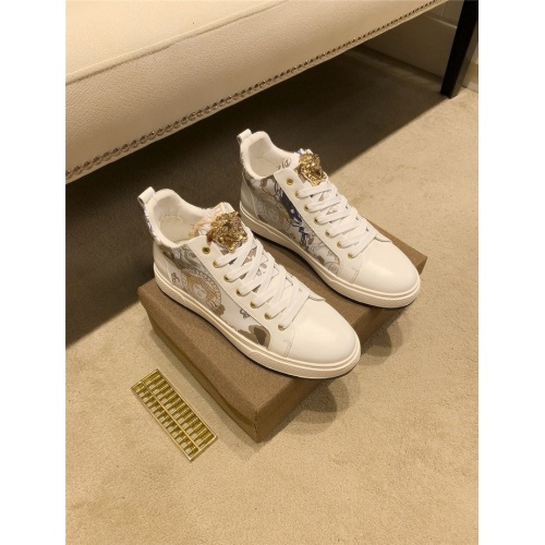 Versace Casual Shoes For Men #826928