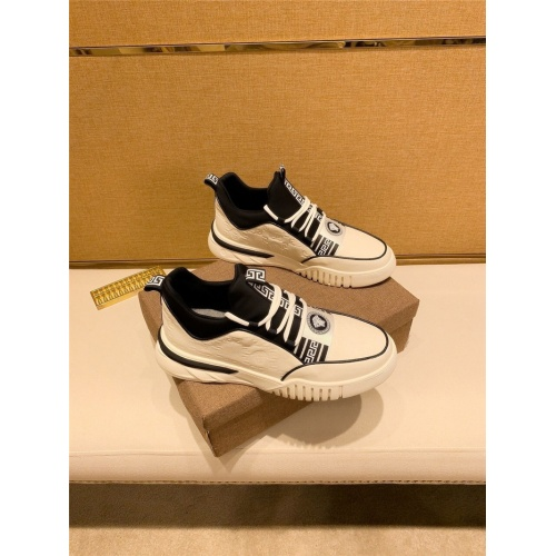 Versace Casual Shoes For Men #826929