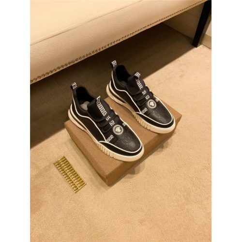Versace Casual Shoes For Men #826930