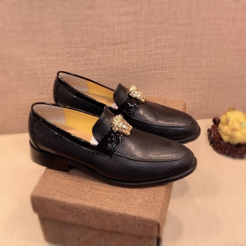 Versace Leather Shoes For Men #826945